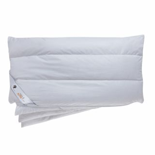 Das Daunenkissen dormabell active air – Daune ist besonders weich, anschmiegsam und elastisch. Der atmungsaktive Bezug ist aus feinster, reiner Baumwolle, die Füllung besteht zu 90 % aus Daunen.